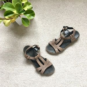 Taupe leather 'Emerald City' Keen sandals